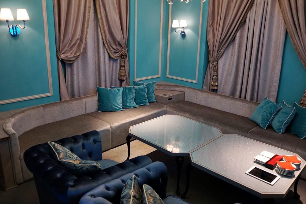 はいこれです!ティファニーカラーで統一された完全個室。