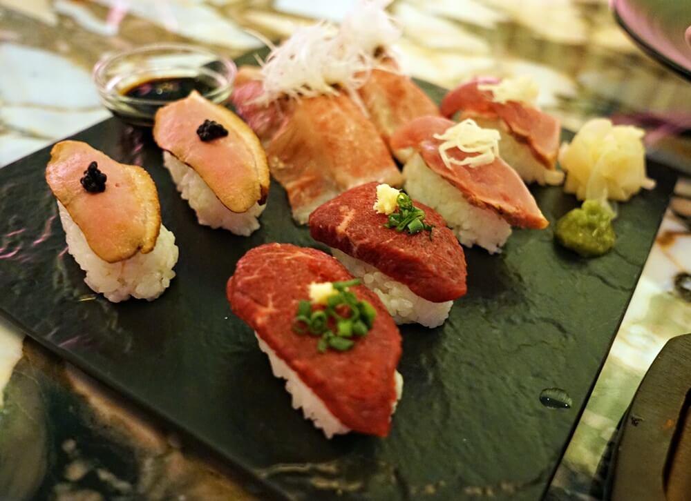 肉寿司!A4ランク和牛、鴨、とり、馬肉の寿司です。