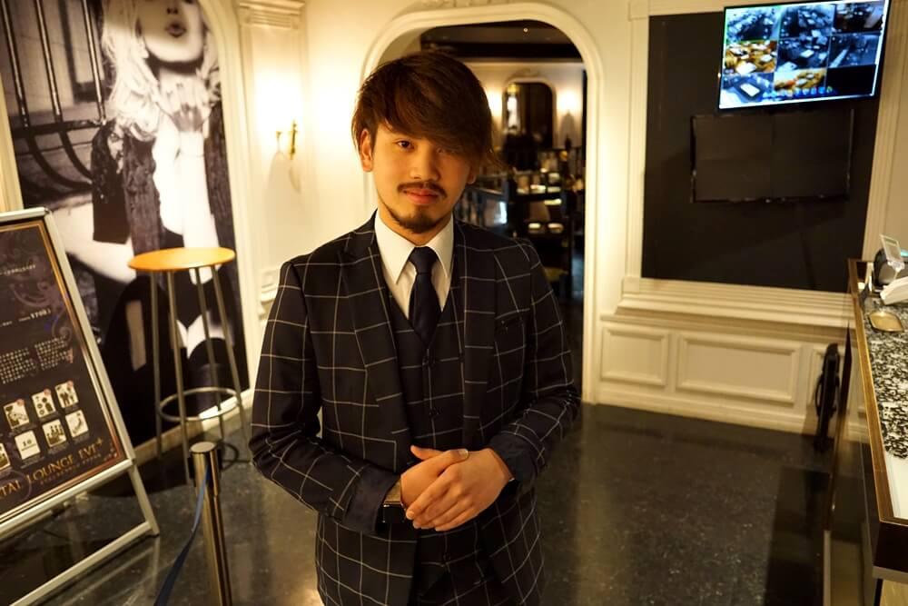 オリエンタルラウンジイブ仙台店店長の松田さん