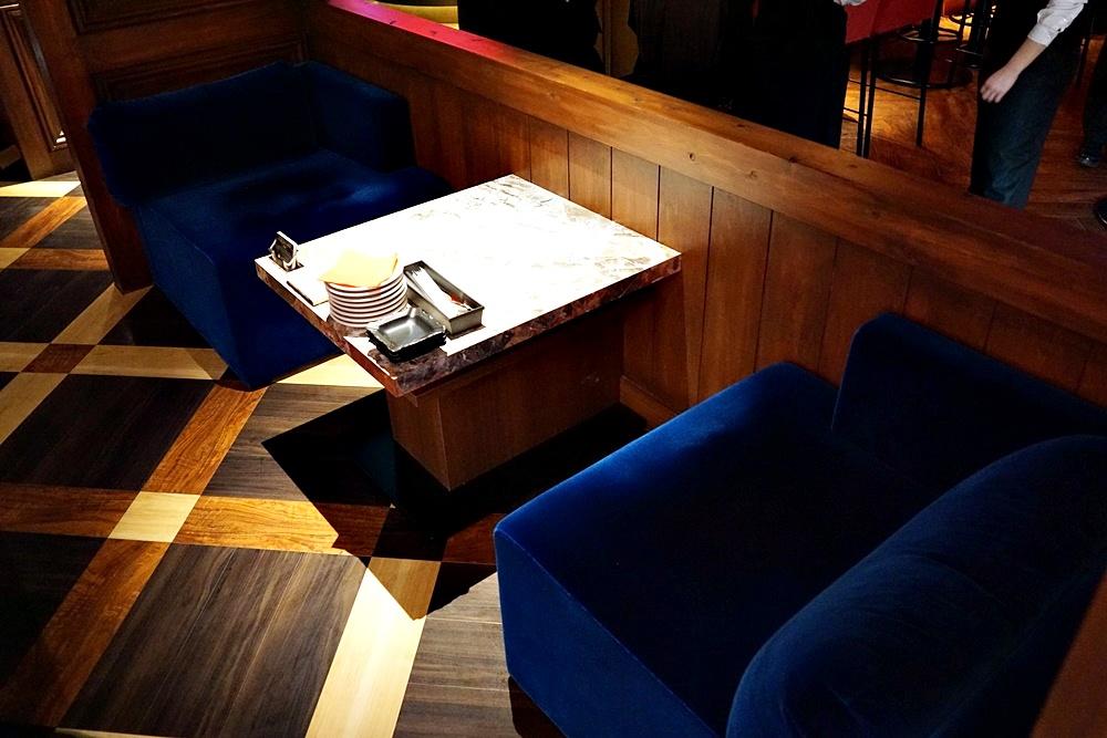 お一人様用ソファ席。これいいですね。イッチ一押しです!