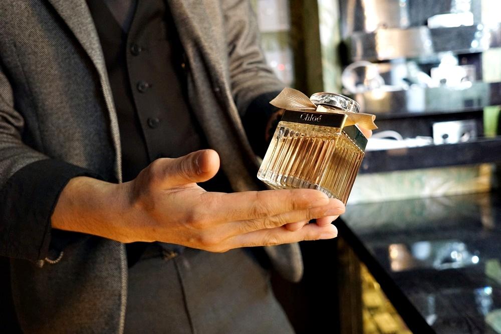 こちらが女性一番人気のクロエの香水